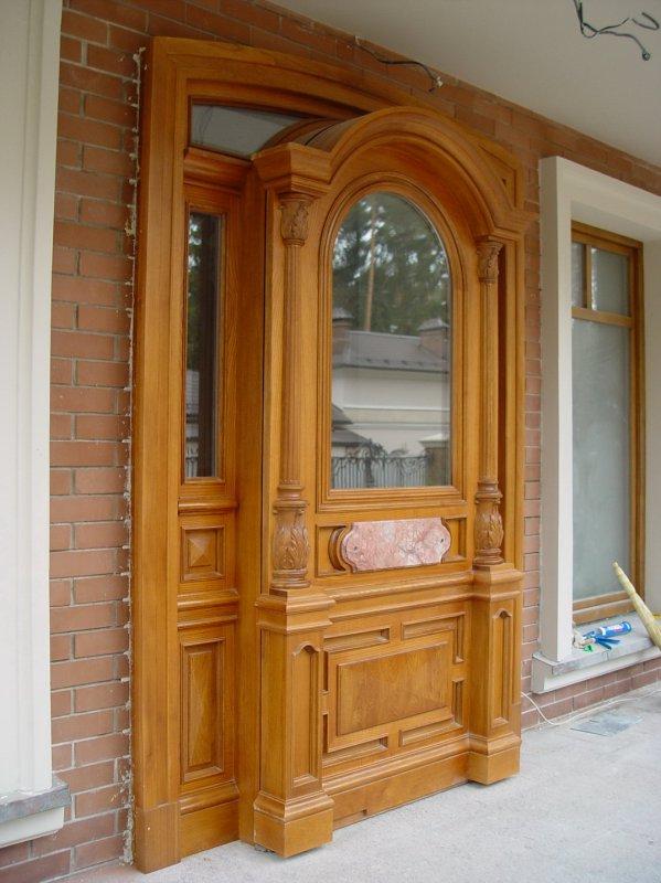 дубовая парадная входная дверь